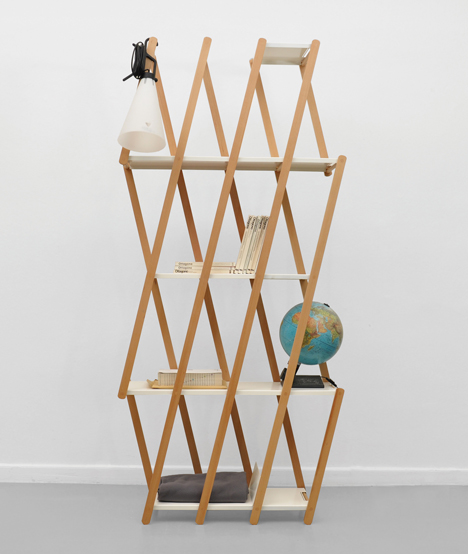 Set expanding shelving by Stephanie Hornig (via https:)
