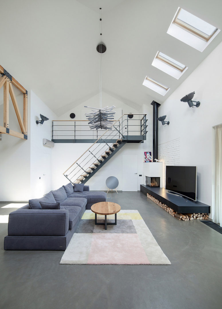 Pet Friendly Modern Home With Industrial Features Digsdigs
