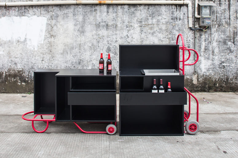 The bar can be configured in an upright or reclined position