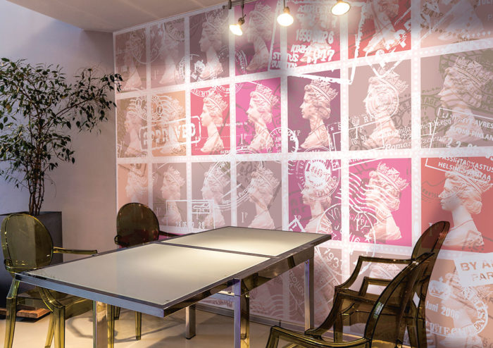 Queen stamp printed wallpaper to make a statement