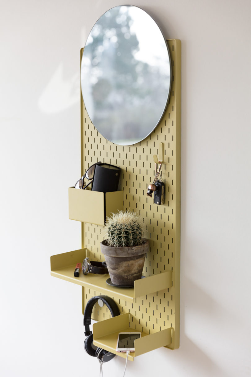 Arrange and re arrange the shelves and your things on this shelf as many times as you need