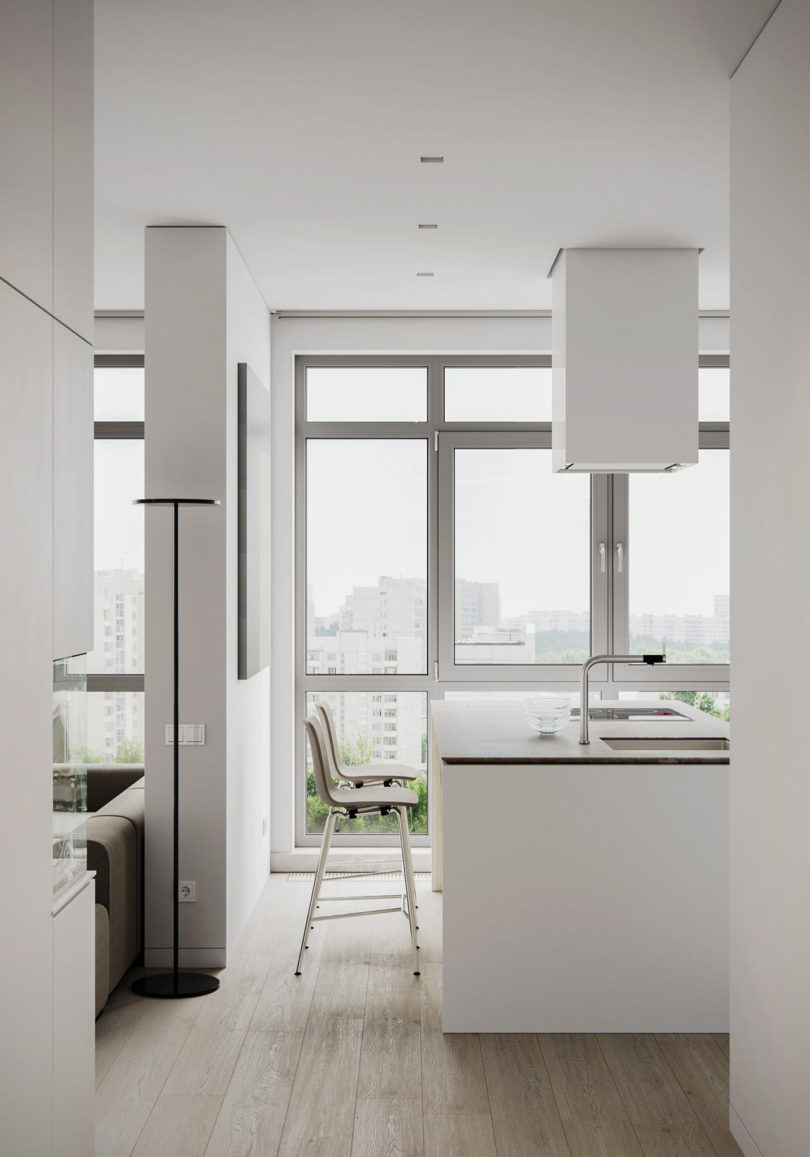 The amazing views are provided here, too, with a framed glazed wall, the colors are neutral and relaxing