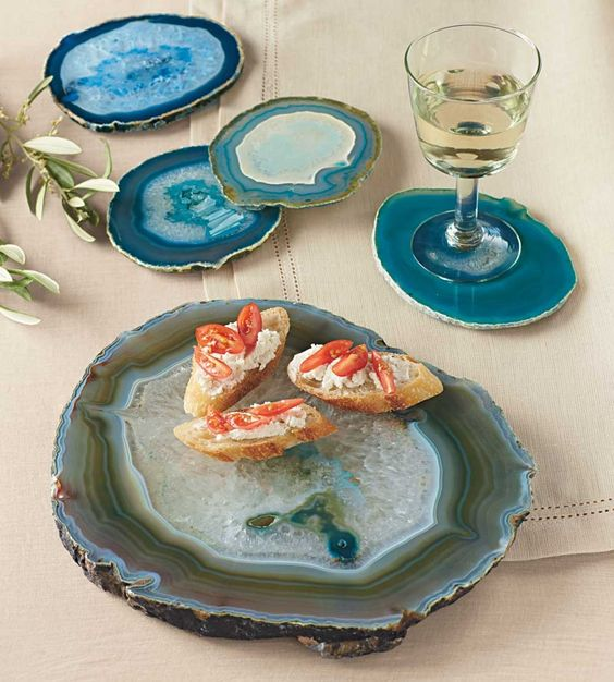 agate slice serving plates and coasters will excite all the guests at the party