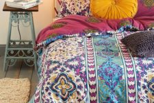 07 colorful textured bedding with eye-catchy prints and patterns