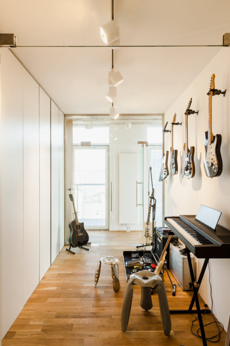 There's a music room with different instruments and some lights - nothing else is necessary here