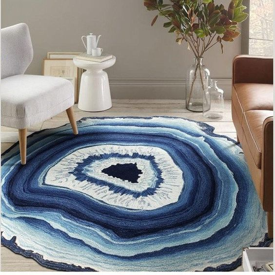 blue agate slice rug looks cool and eye-catchy, it's sure to add to the interior