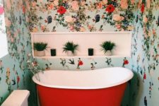 18 colorful floral wallpaper for a bathroom and a red bathtub that echoes with the walls