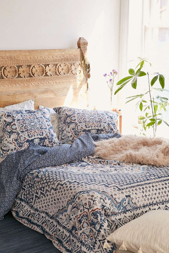 blue, copper and white printed bedding set looks cute