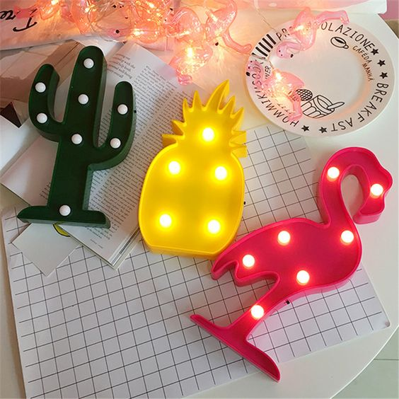 LED 3D flamingo, cactus and pineapple nightlights for a summer feel in your home