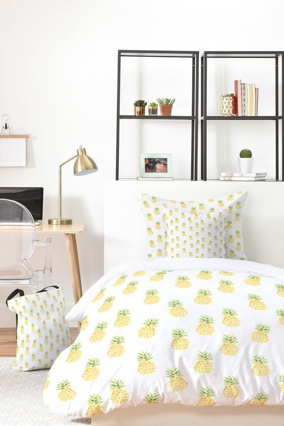 pineapple bedding set is great for adding a summer feel