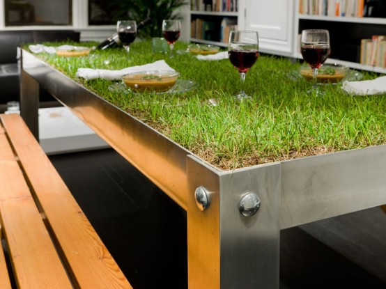 picNYC table by Haiko Cornelissen Architecten (via www.digsdigs.com)