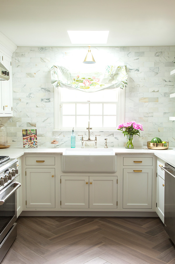 This vintage inspired kitchen with glam and rustic touches is so welcoming and inviting that you'll never want to leave it