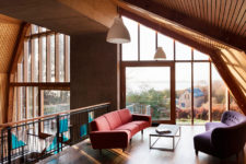 05 Living spaces are perched within two curved spaces