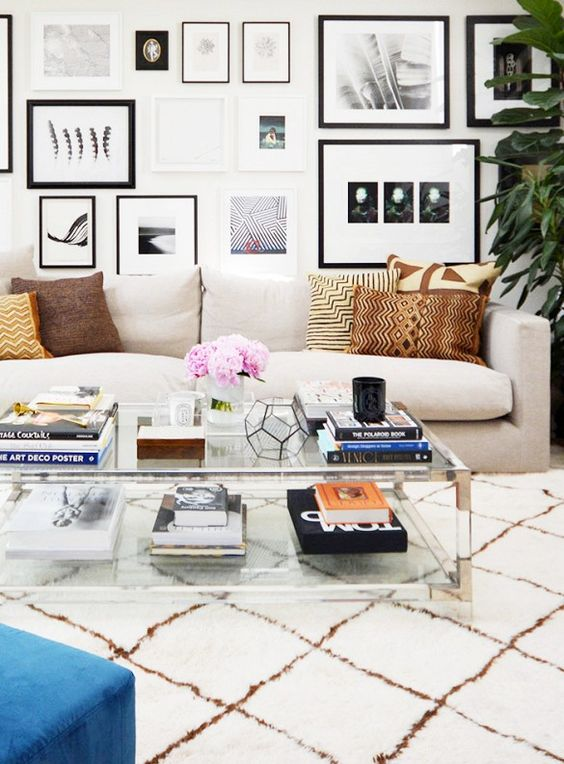 Superbe A Double Glass Tabletop Coffee Table With Metallic Corners For A Chic  Modern Look