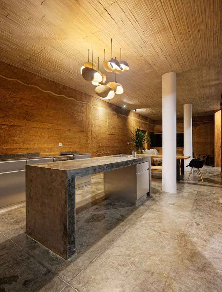 The walls are made thick and covered with special mixtures of clay and other local materials to avoid overheating, and the rest of the decor just matches the look
