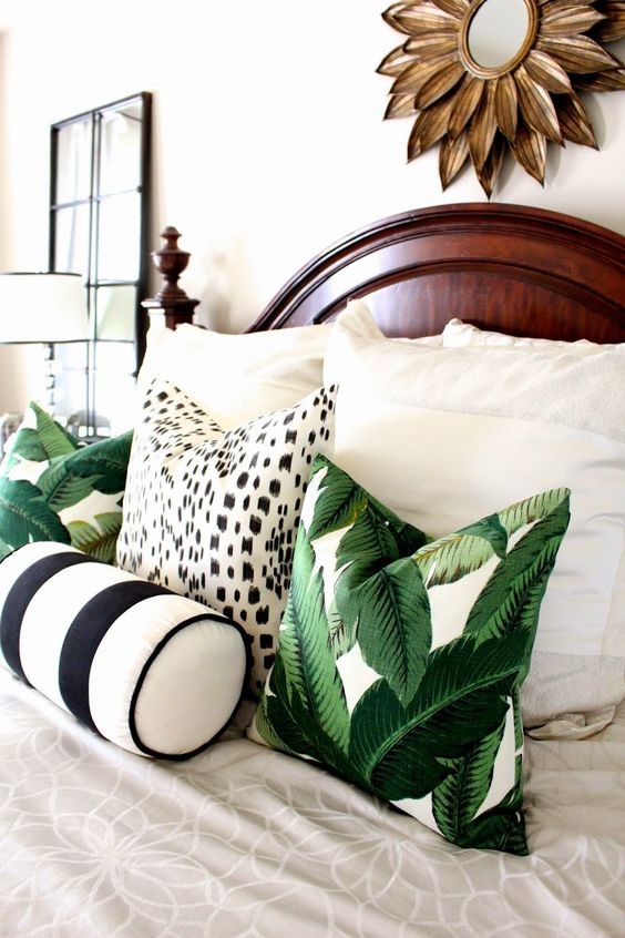 30 Stylish And Timeless Tropical Leaf D Cor Ideas Digsdigs