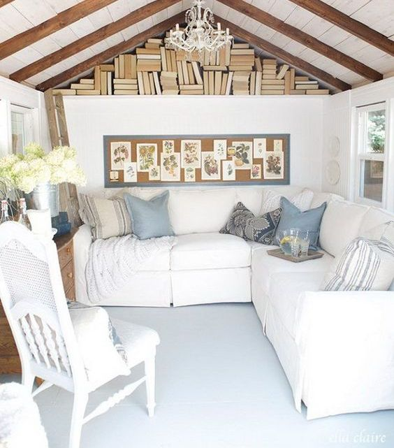 vintage-inspired living and reading room in one to have a rest and relax after a long day