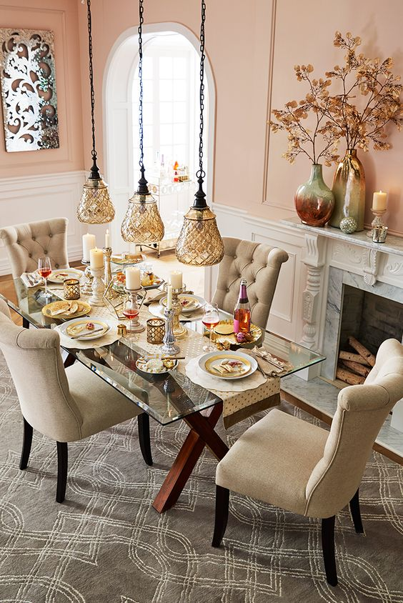 30 ways to incorporate a glass dining table into your for Dining table dressing ideas