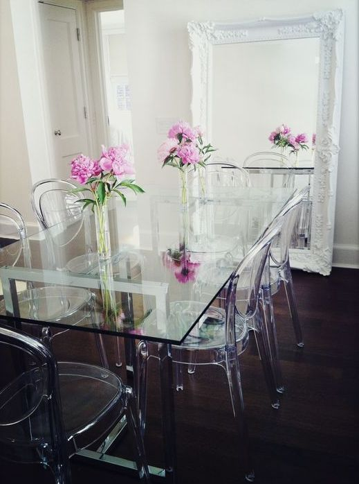 30 Ways To Incorporate A Glass Dining Table Into Your