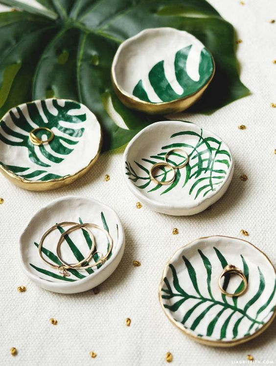 tropical leaf trinket dishes can be DIYed, and these are stylish additions