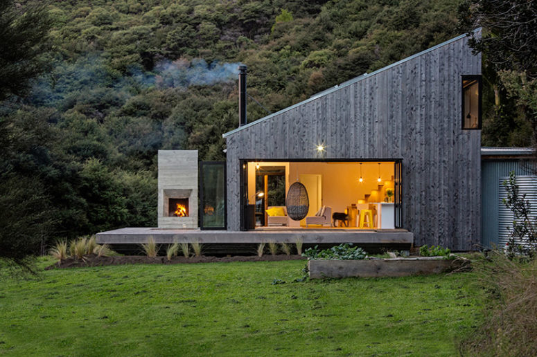 Back Country House Inspired By Traditional New Zealand Huts
