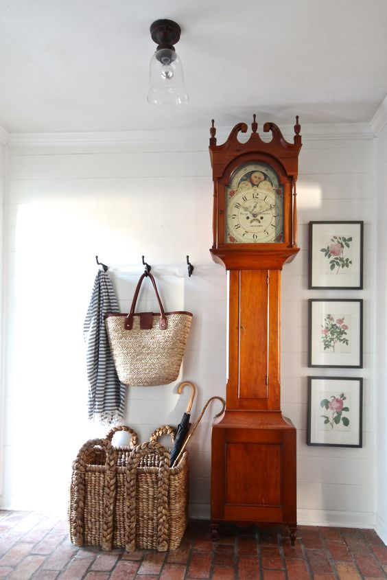 Large Clock In Foyer : Ways to incorporate a grandfather s clock into decor