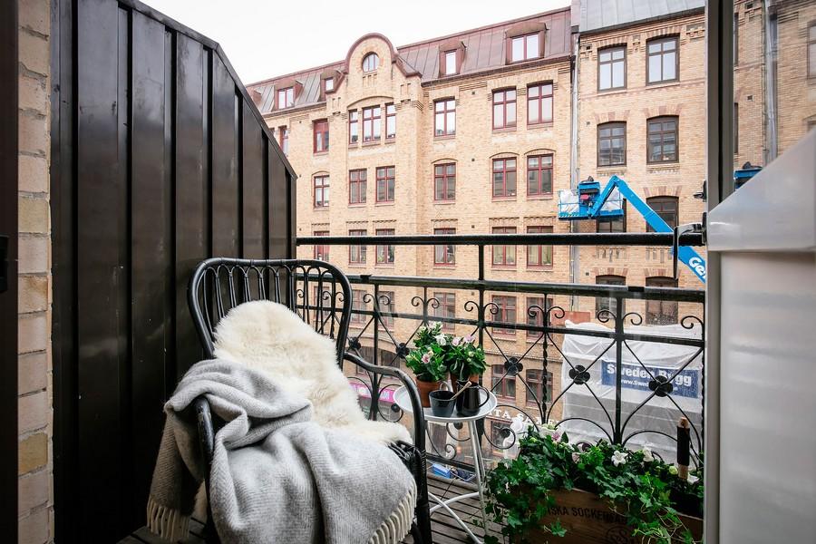 small scandinavian balcony