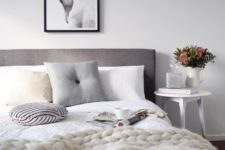 15 a chunky knit blanket is ideal for cold nights, your guests will be grateful