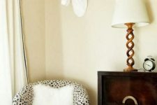 15 dalmatian print chair for a glam yet rustic feel in the space