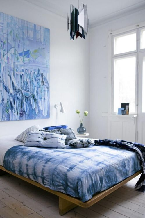 shibori bedding for a modern and relaxing space with blue accents
