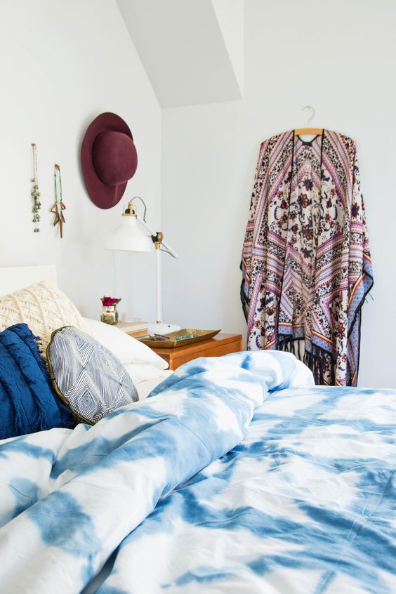 shibori blanket for a heavenly relaxing bedroom