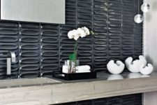 29 textural glossy black tiles make the bathroom refined, chic and eye-catchy