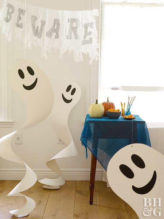 do you plan a kids ghost party, make your own ghosts from paper