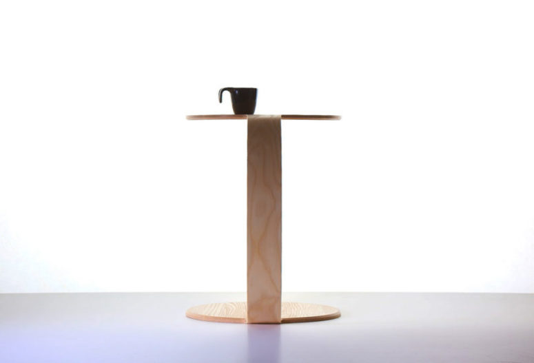 This is how the table looks from the side - it's modern and simple, geometry is always in trend
