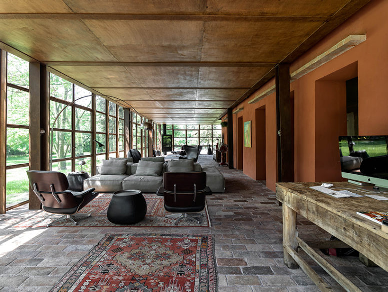 Italian Country House Covered With Living Vines Digsdigs