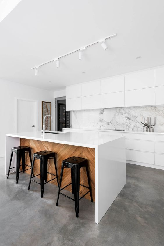 Modern Kitchen Marble Backsplash Inside An Allwhite Kitchen With Marble Backsplash And White Island Clad 31 Chic Modern Kitchen Designs Youu0027ll Love Digsdigs