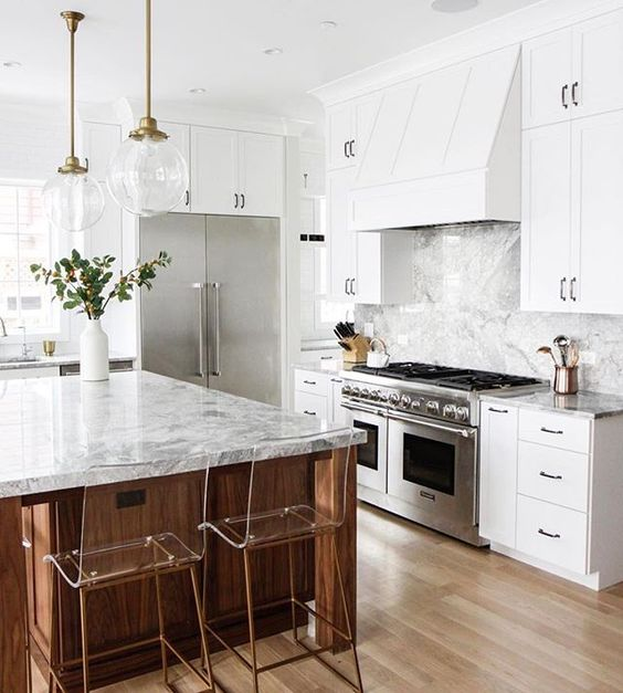 copper and brass with a satin finish are a trendy solution for a bold kitchen
