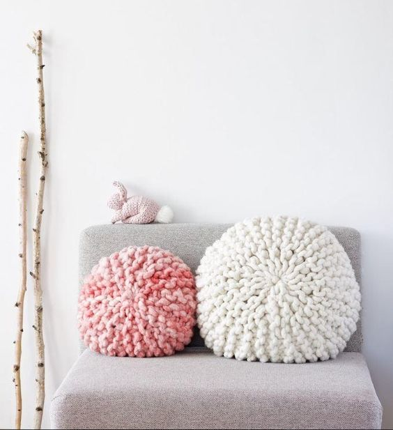 cozy chunky knit pillows for a girlish bedroom