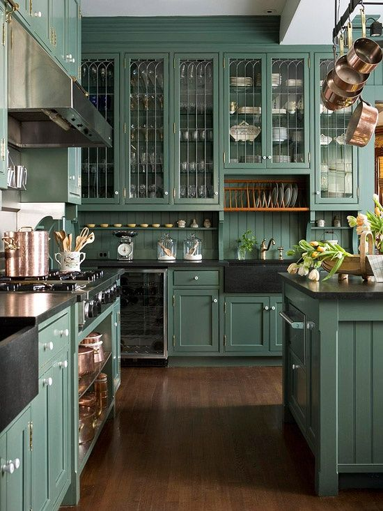 30 green kitchen decor ideas that inspire digsdigs for Victorian style kitchen