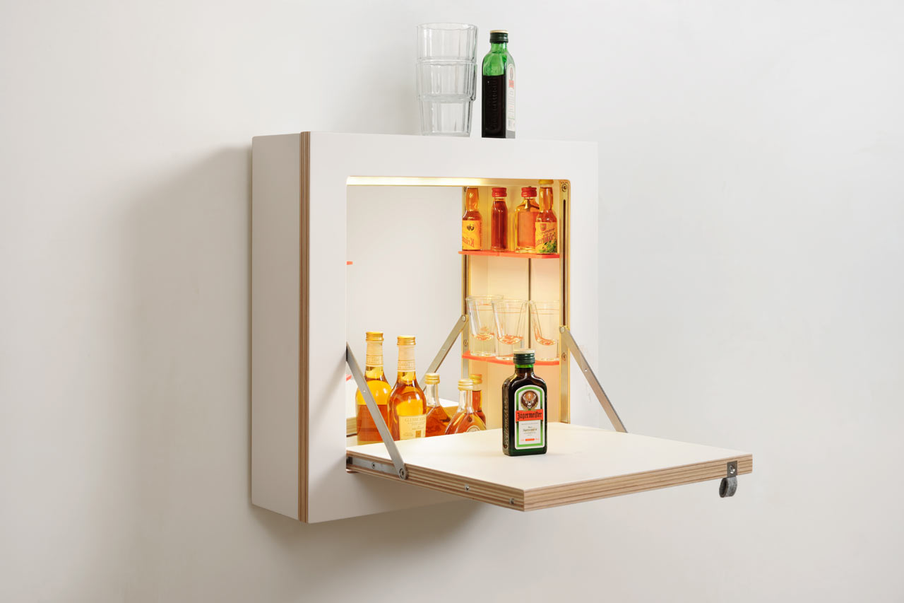 7 coolest bar and liquor cabinets to buy right now digsdigs. Black Bedroom Furniture Sets. Home Design Ideas