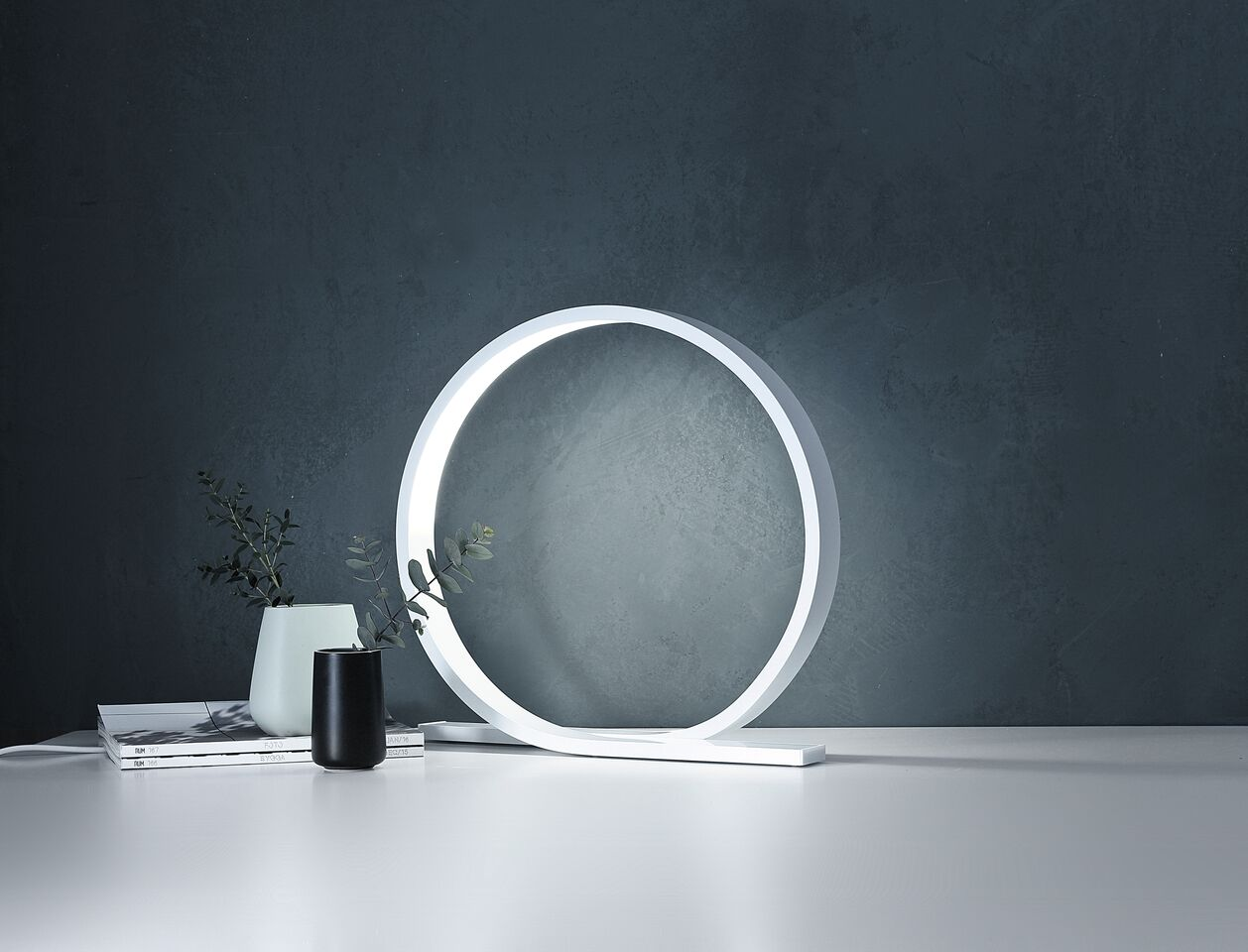 Loop table lamp by Timo Niskanen