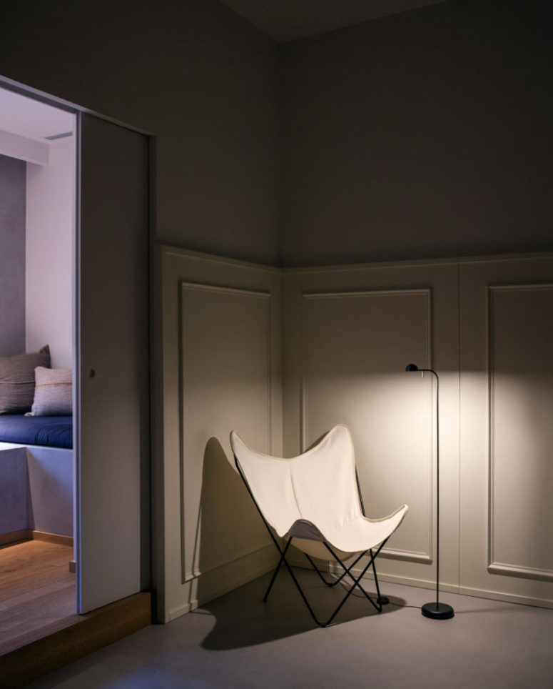 Create your own reading nook with this floor lamp