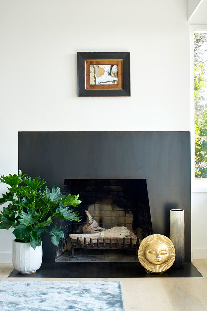 There's a sleek dark fireplace, which isn't used but it adds coziness and comfort