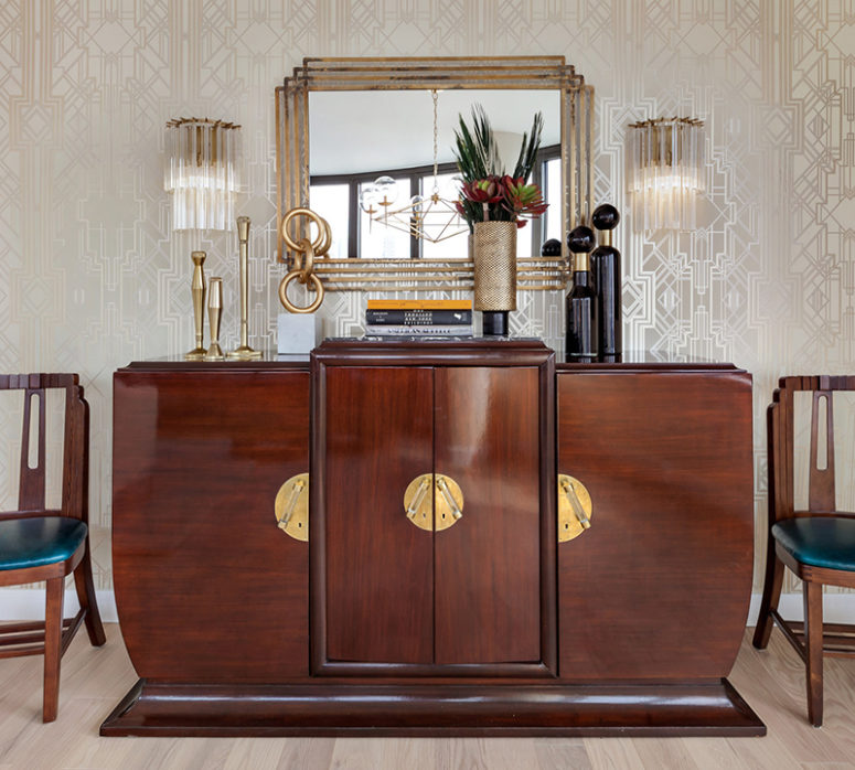 The furniture is very elegant, eye-catchy and with chic brass touches