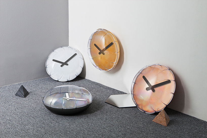Balloon Clock looks super fun and whimsy, it has a clean 3D pop and looks chic and cute