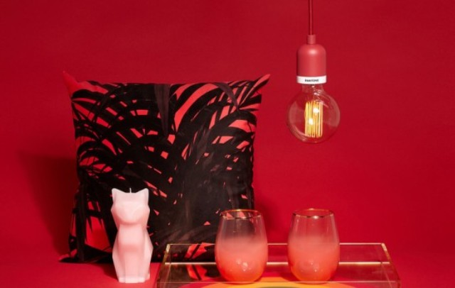 01-This-pendant-lamp-features-stylish-and-timeless-design-in-the-colors-of-Pantone Deneb Drop Pendant In The Colors Of Pantone