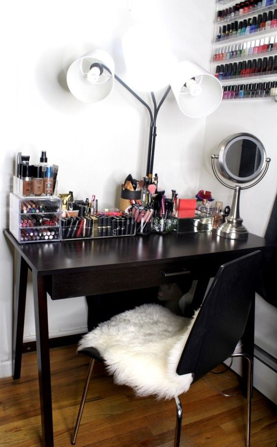 25 Ideas To Create An Ultimate Makeup Nook , DigsDigs