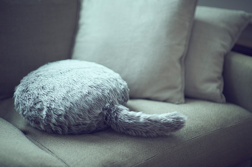 Get a gorgeous pillow with a tail and enjoy relaxation and its warmth