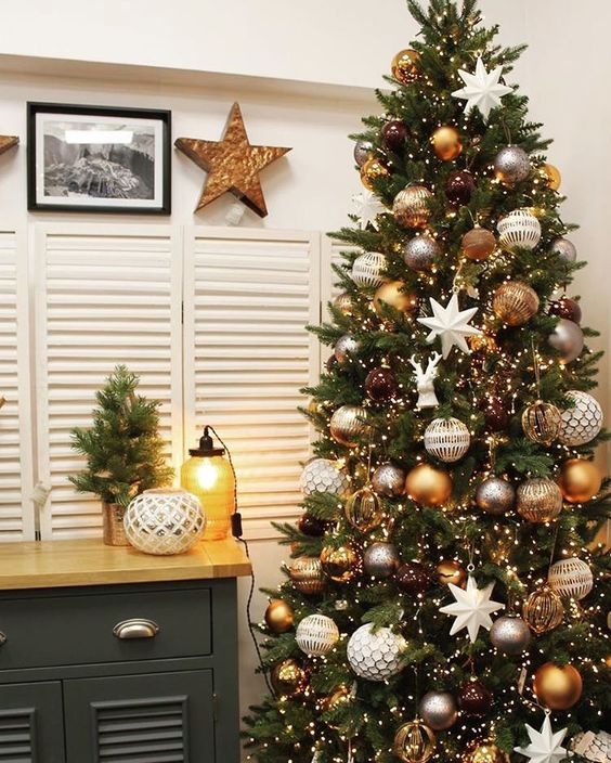 25-mixed-metals-christmas-decor-ideas-cover 25 Mixed Metals Christmas Decor Ideas
