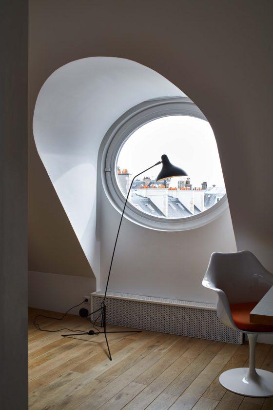 Mantis BS1 designed by Bernard Schottlander is a comfy floor lamp ideal for a reading nook